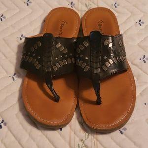 Bare traps sandals
